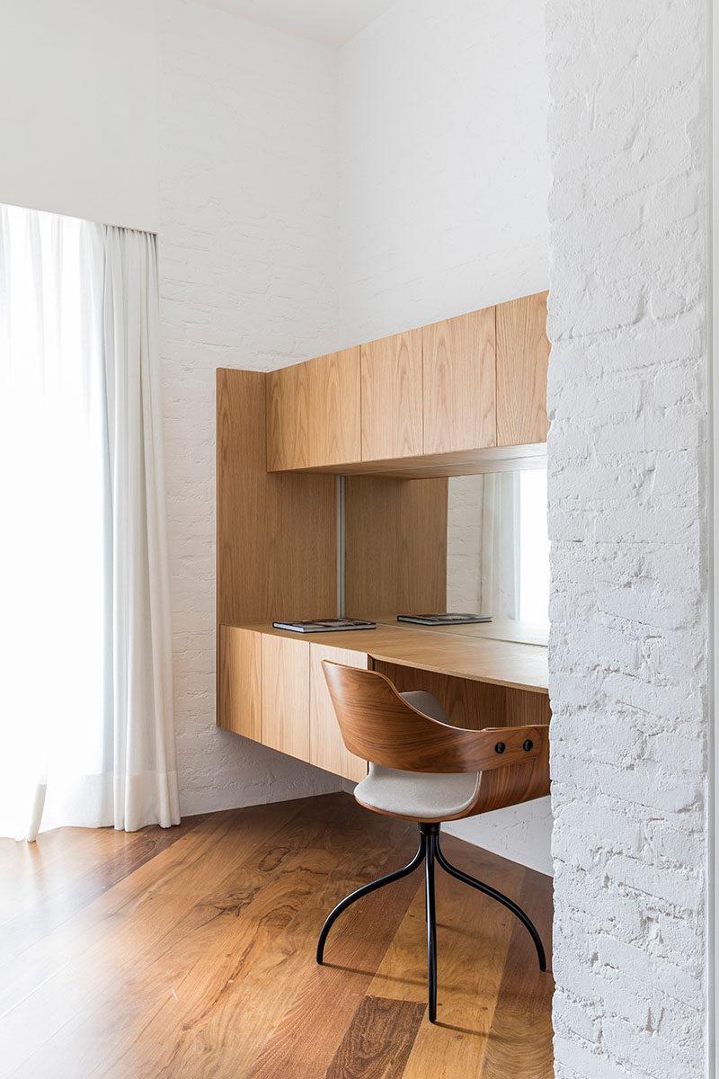 5bab05001f1b2modern-home-office-desk-250918-135-14-800x1200