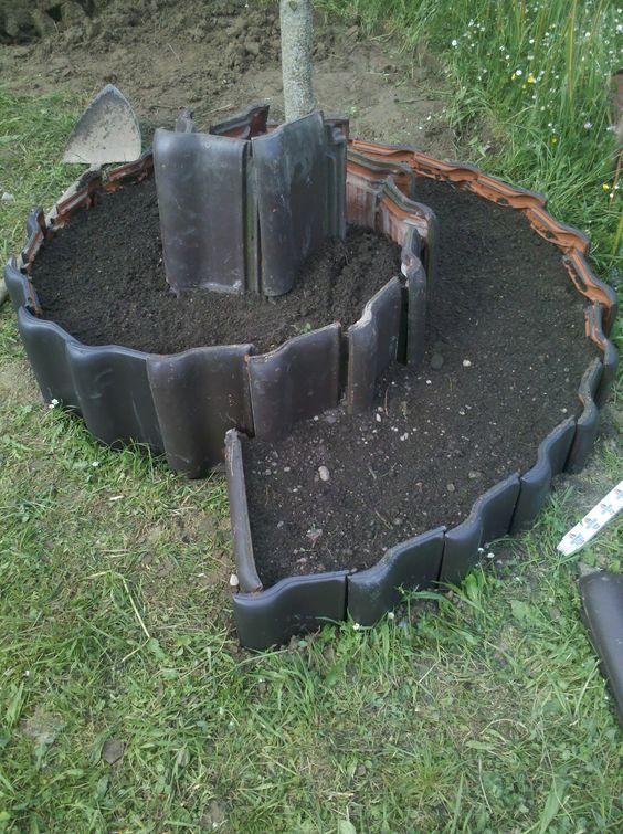 黑色瓦片螺旋花園菜園
