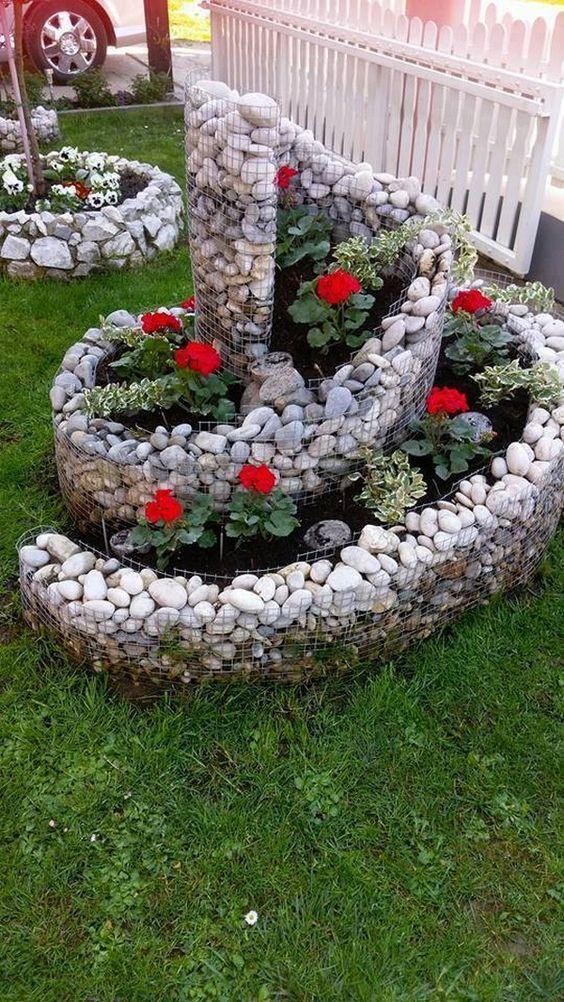 石頭堆疊螺放花圃