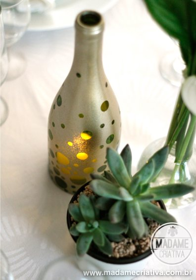 %postname%57c2d9ded3cbaHandmade-Wine-Bottle-Candle-Holder