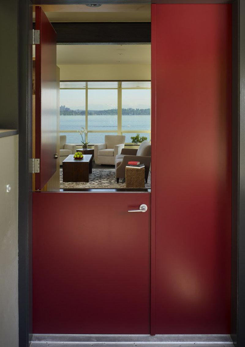 %postname%580449e3290a4modern-dutch-doors_121016_01