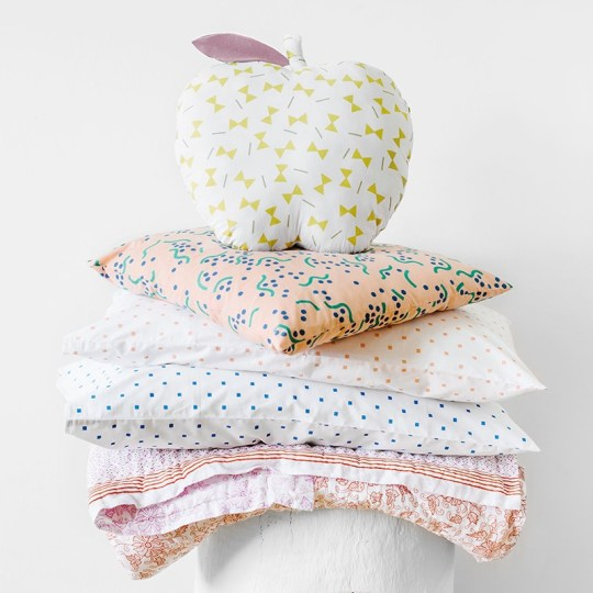 apple_cushion_styled_shot