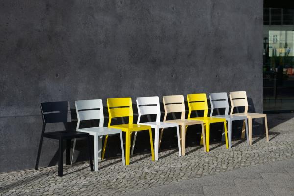 schneiderschram_SATSUMA-orange-crate-chair-6-600x400