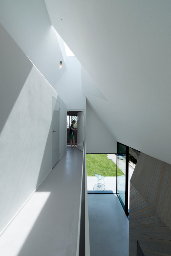 HOUSE-W-Studio-PROTOTYPE-13-600x899