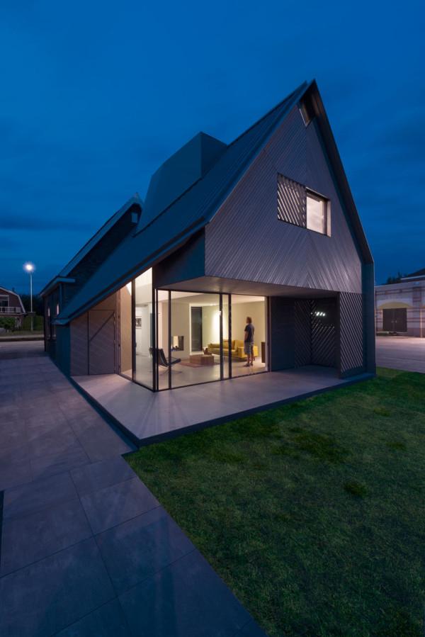 HOUSE-W-Studio-PROTOTYPE-14-600x899