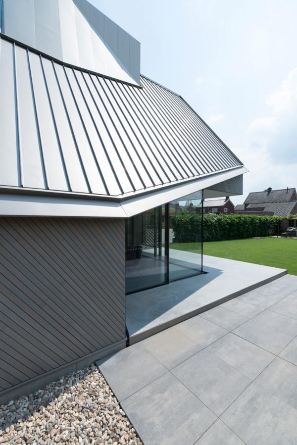 HOUSE-W-Studio-PROTOTYPE-4-600x899
