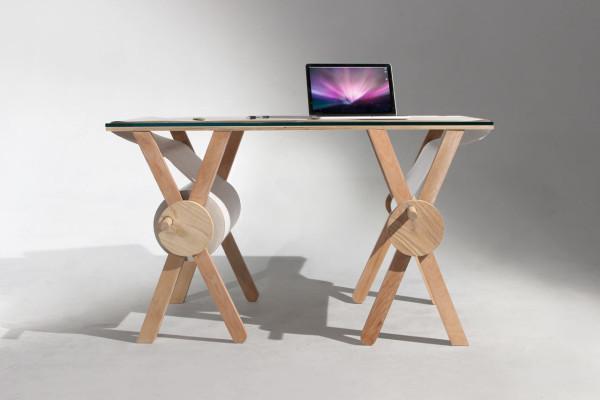 Analog-Memory-Desk-Kirsten-Camara-2-600x400