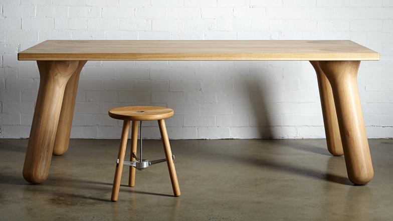 大胖桌腳餐桌家具搭配椅子