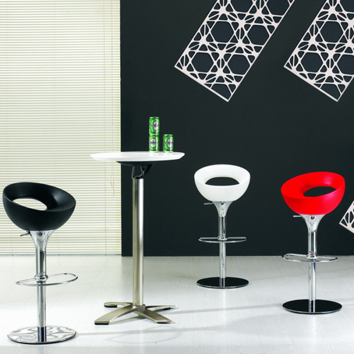 chrome-barstools-700x700
