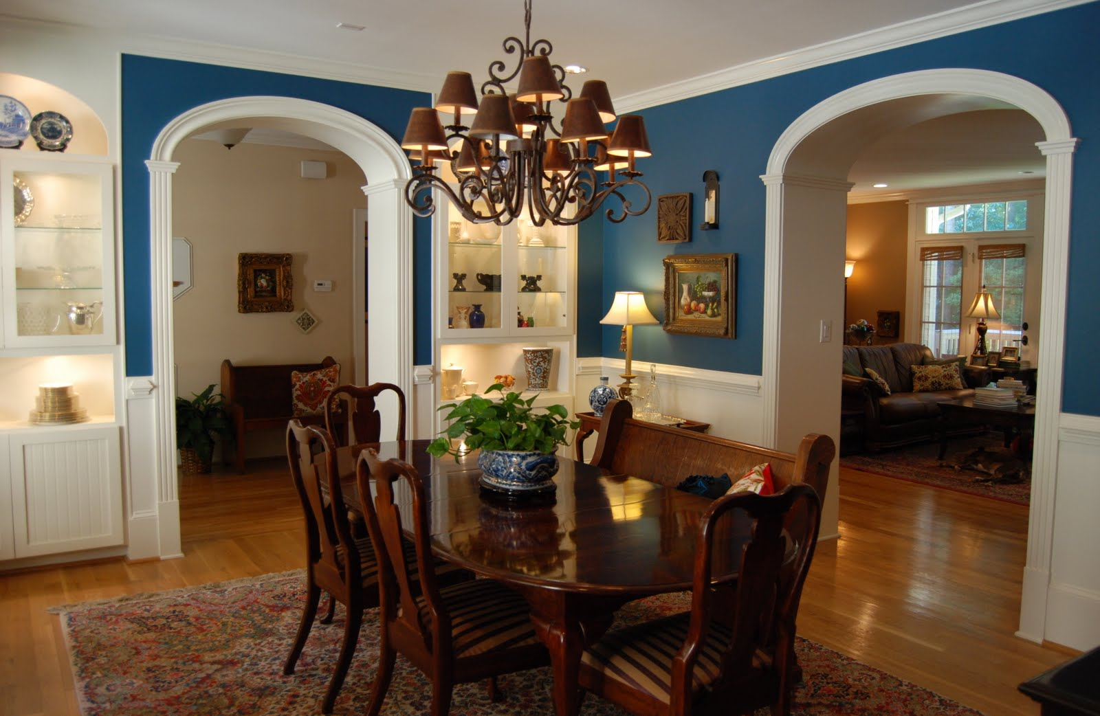 color-dining-room