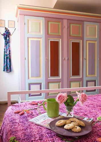 鄉村風粉紅色衣櫃照片
