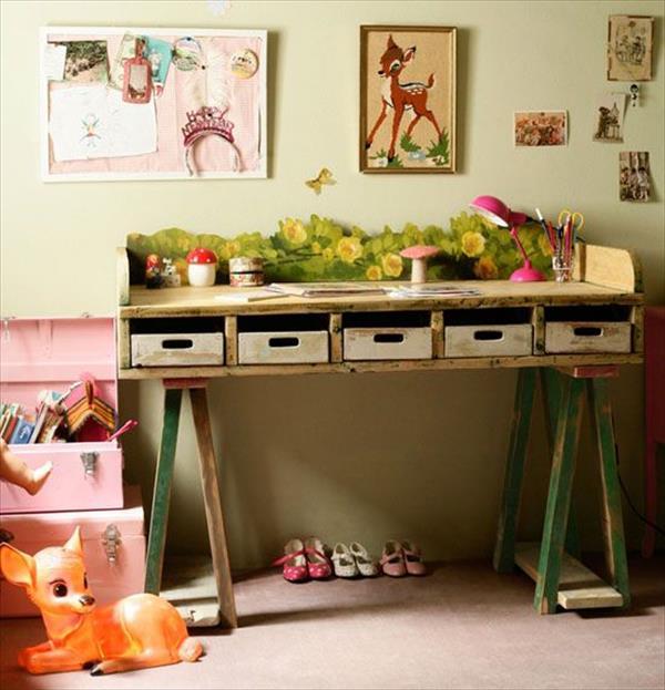 diy-pallet-desk-1