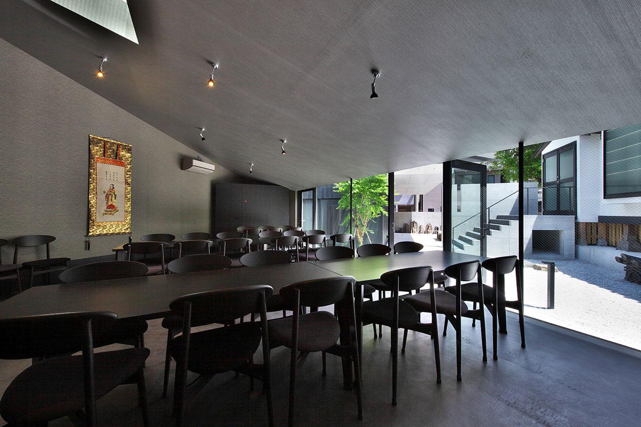 現代感的會議室或餐廳