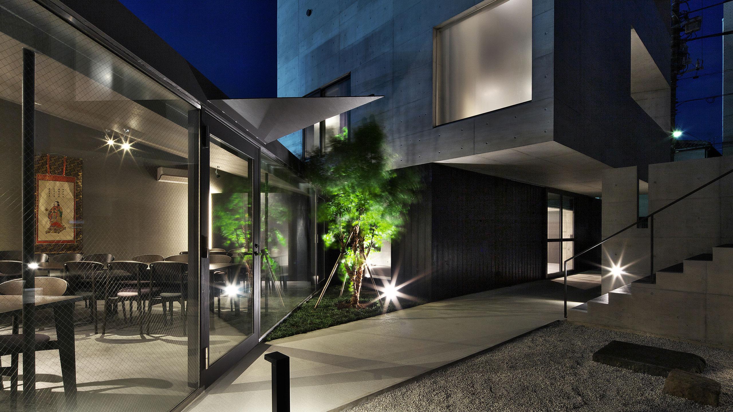 東京通入寺中庭打燈夜景