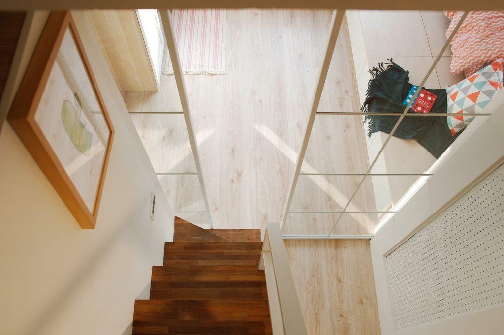 樓中樓俯視樓梯