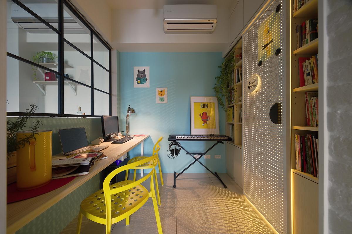 長條型鎖壁書桌,電子琴,