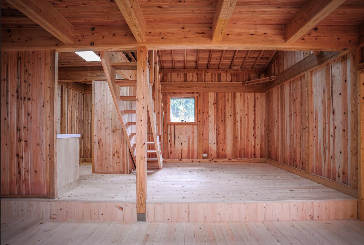 全實木打造的木屋室內空間