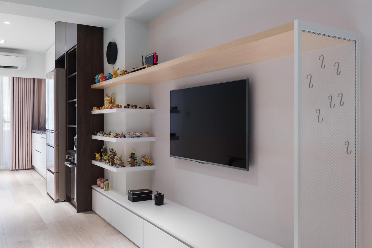 小公寓粉紅色電視牆,懸壁層架