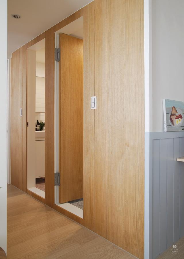 木頭浴室門