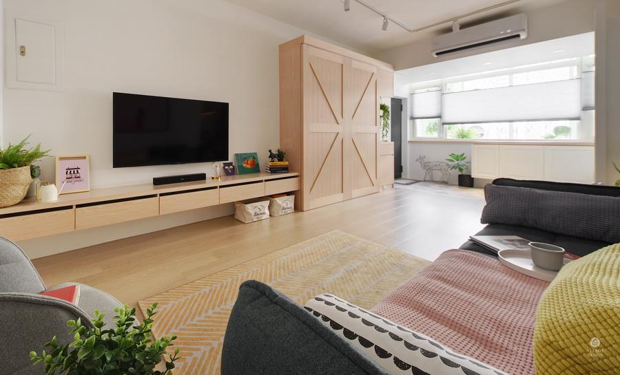 溫馨客廳木頭嫏村風裝潢